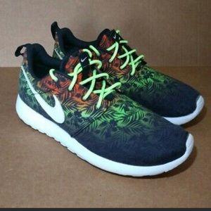 Nike roshe run gs floral tropical print womens sho